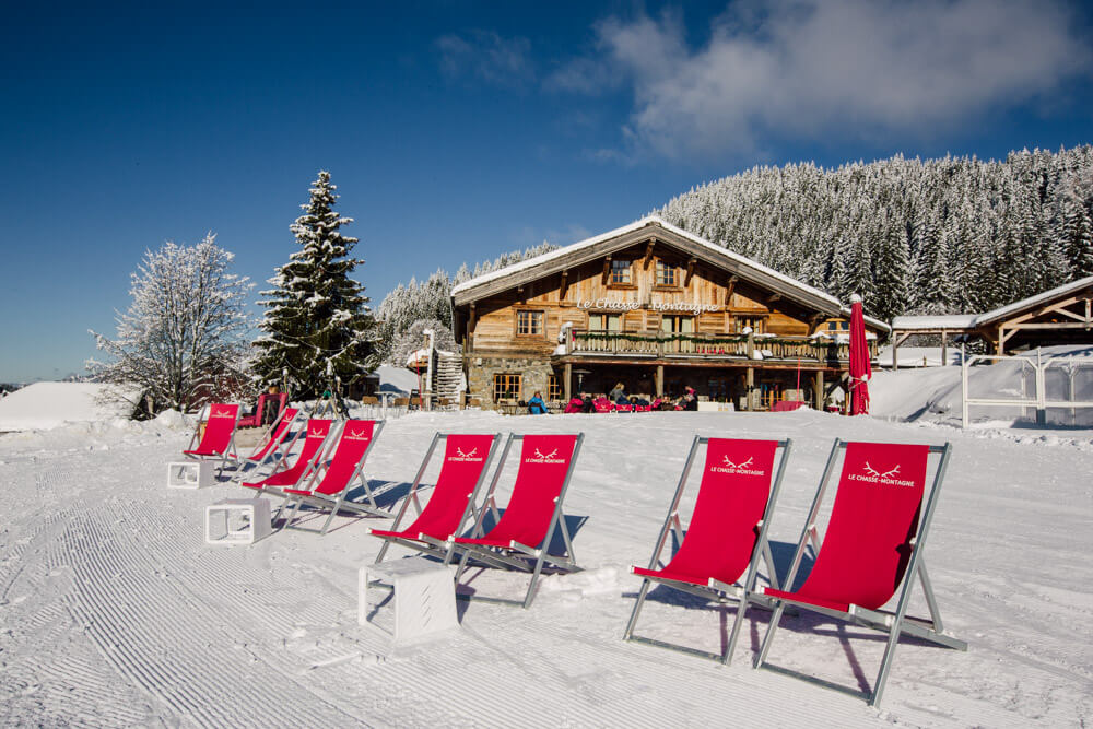 chasse montagne - restaurant in les gets ski resort