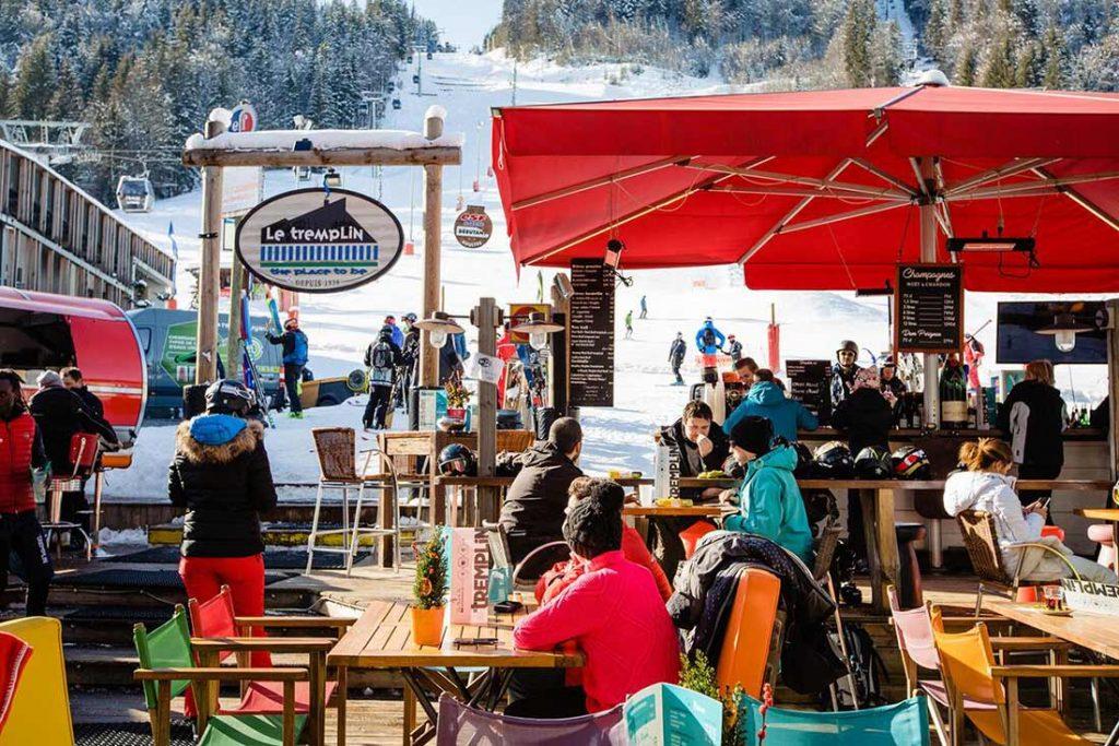 Restaurant le tremplin at the bottom of pleney ski piste in morzine