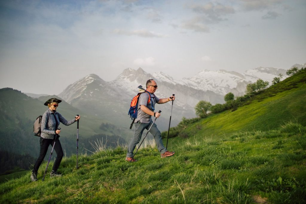 couple hiking the bourgeoise from morzine