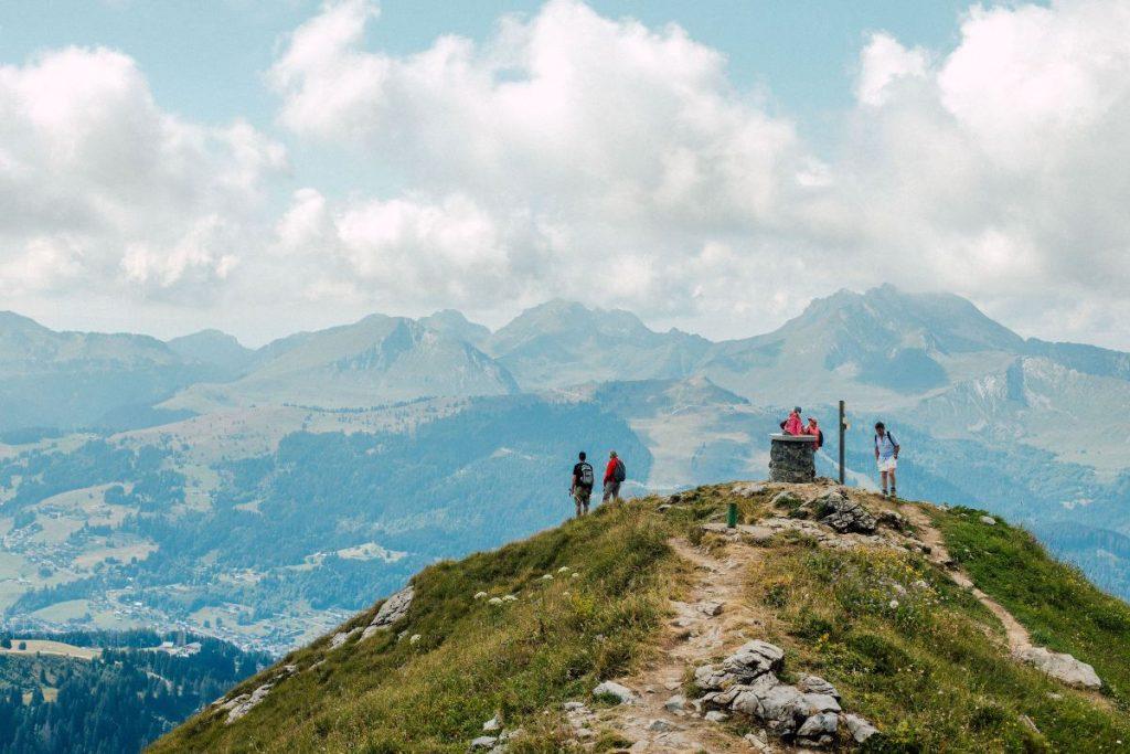 pointe de nyon top view to the mountains